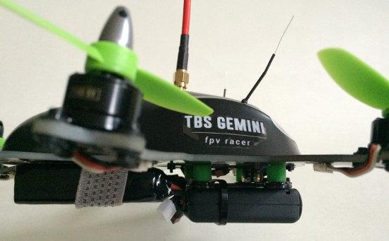 FPV Racer mit Mobius Actioncam (TBS GEMINI)